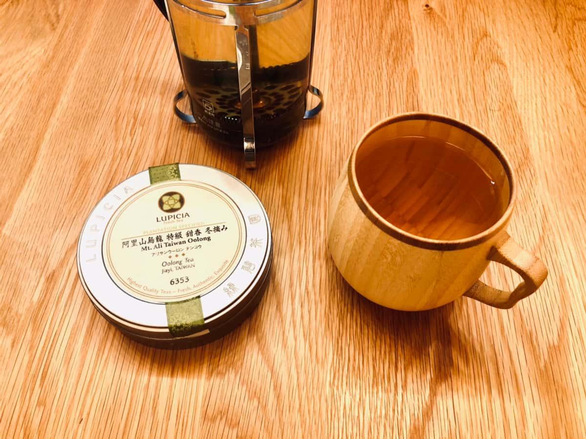 台湾烏龍茶を楽しんでいるところ