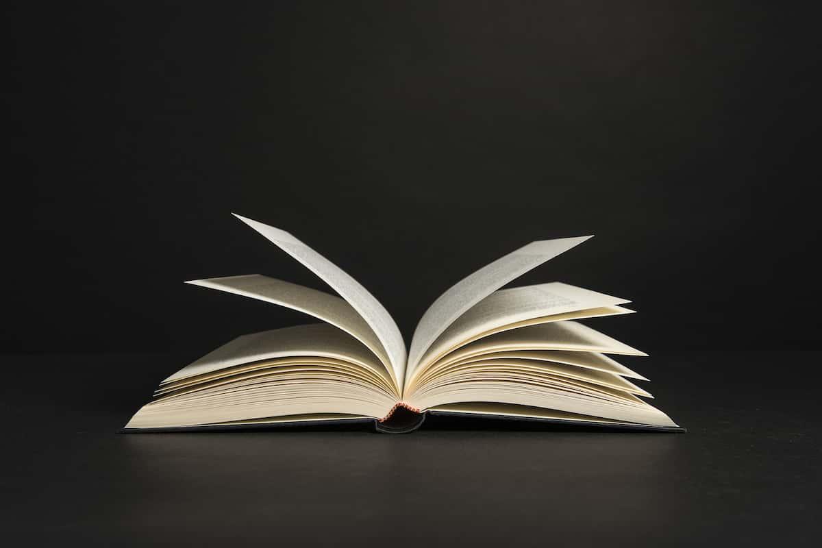 書籍でライティングの知識を身につける