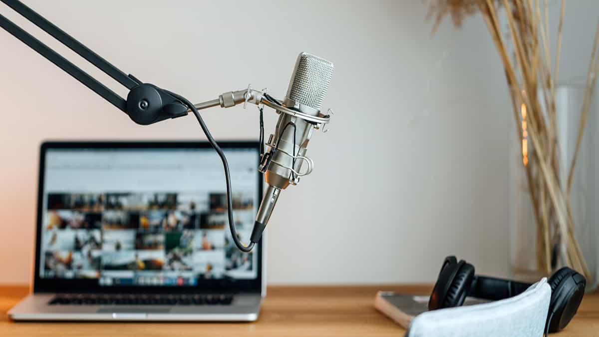 ライブ配信アプリ「BIGO LIVE(ビゴライブ)」の始め方や配信収入を稼ぐ方法を解説